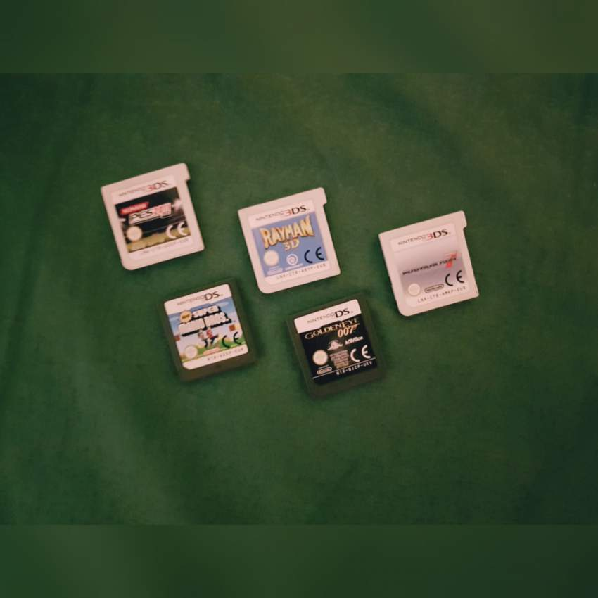 Nintendo 3ds + Chargining Dock + 5 Games + Pouch - PS4, PC, Xbox, PSP Games at AsterVender