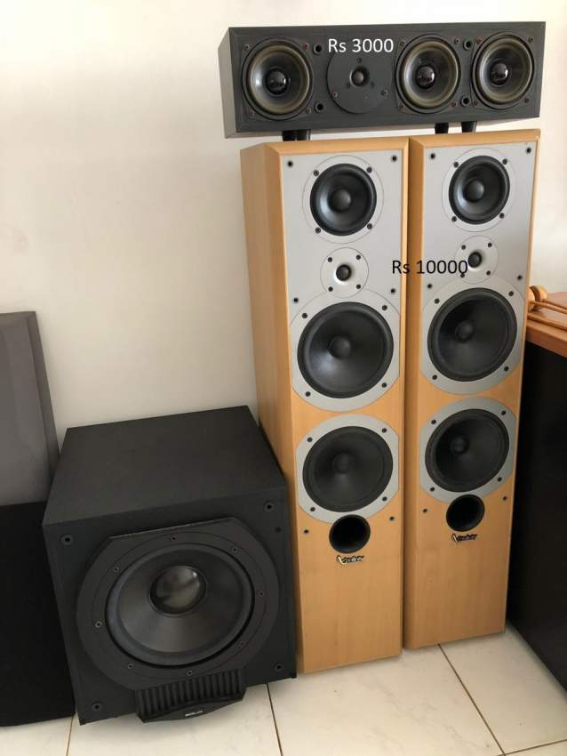 Multiple Speakers and Hi-Fi System for Sale
