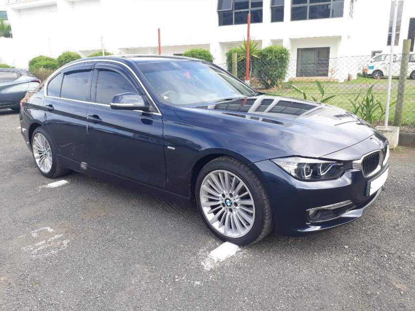 2012 BMW 328i Luxury Line