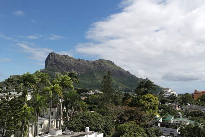 Beautiful penthouse for rent, located in a beautiful area Quatre Borne