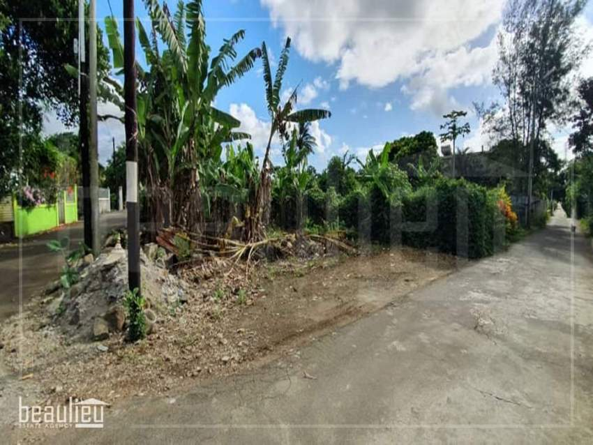 Residential land of 6.6 perches  Belle Vue Maurel.