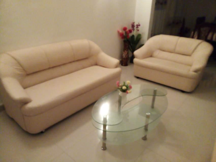 Canapé semi cuir
