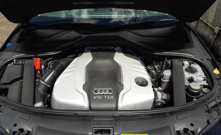 Audi A8L  - Luxury Cars at AsterVender