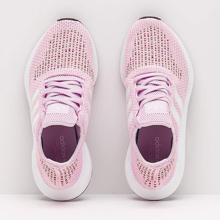 NEW Adidas Original Woman Swift Run  - Sports outfits at AsterVender