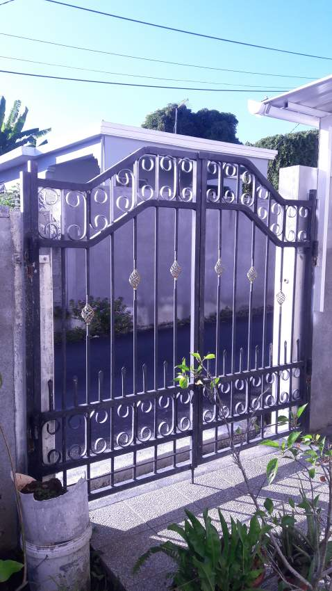 Gate to sell
