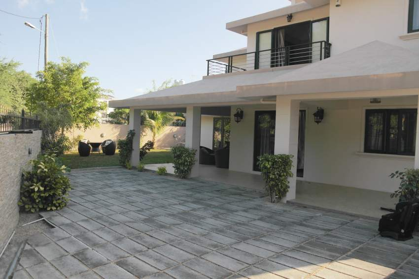 Flic en Flac for rent beautiful bright and furnished villa newly built