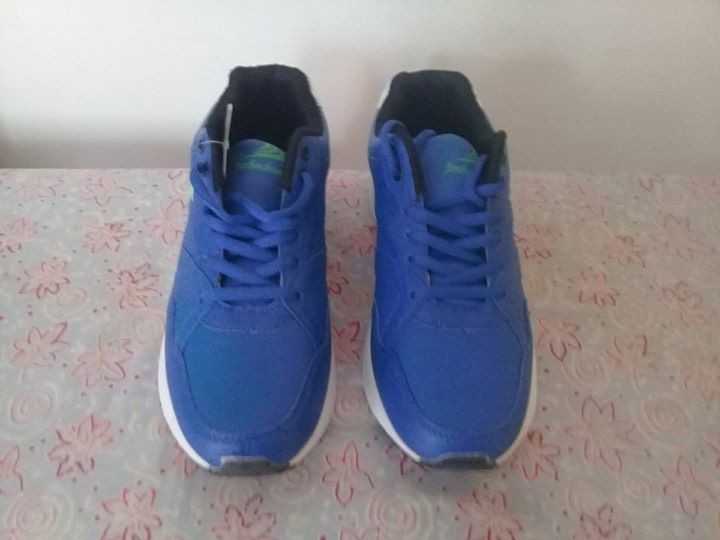 Sport shoes for sale at Rs 500 size 42 - Sports shoes at AsterVender