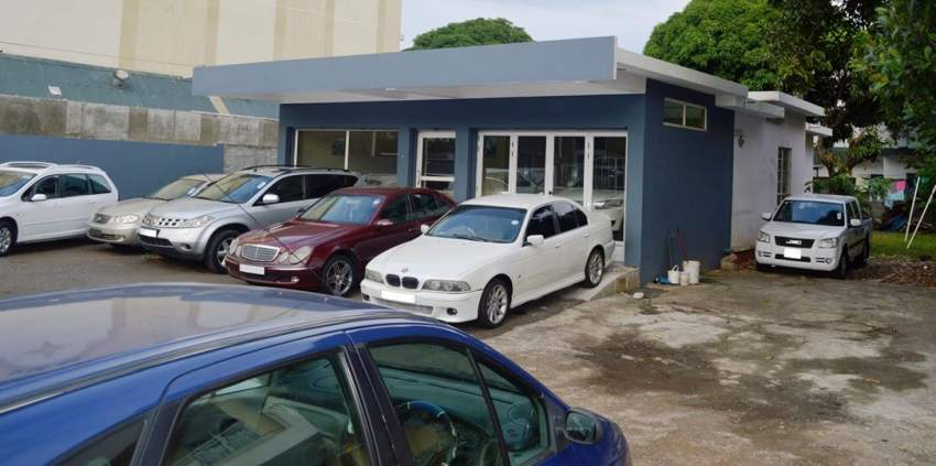 For sale..Commercial building of 2000 square foot + Big parking