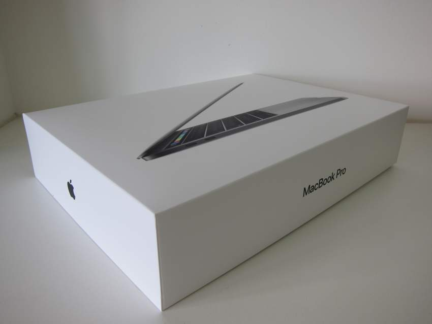 MacBook Pro core i7 2.80 GHZ 15'' 16GB RAM 256GB SSD
