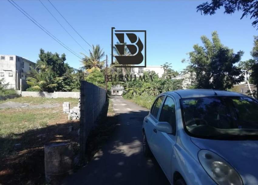 15 perches residential land for sale in Mamzelle Jeanne @ 85,000/perch