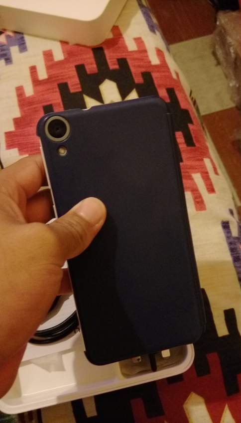 HTC 820G+