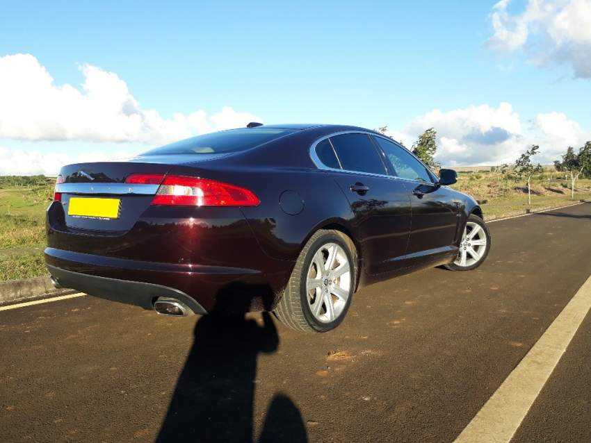 2010 Jaguar XF 2.0 - Luxury Cars at AsterVender