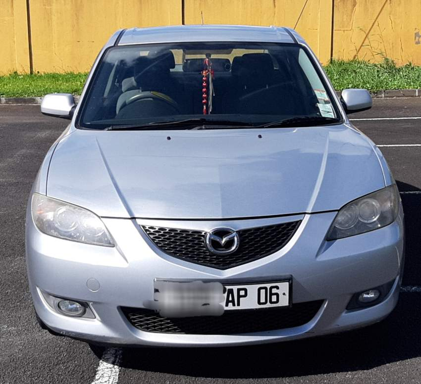 Mazda 3 car manual transmission - Compact cars on Aster Vender