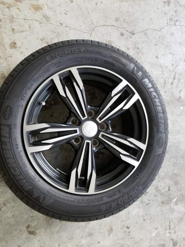 RIMS/ ALLOY WHEELS and tyres(Urgent sale) - SUV Cars at AsterVender