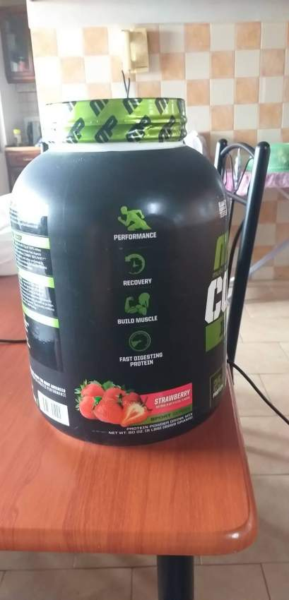 Musclepharm Combat 100% whey - Nutrition supplements at AsterVender