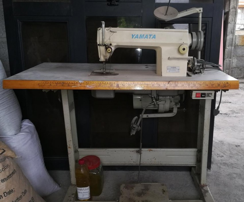 Avendre Machine a coudre industrielle - Sewing Machines at AsterVender