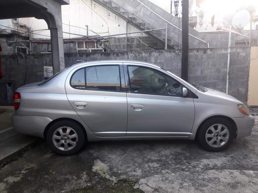 Toyota platz Car
