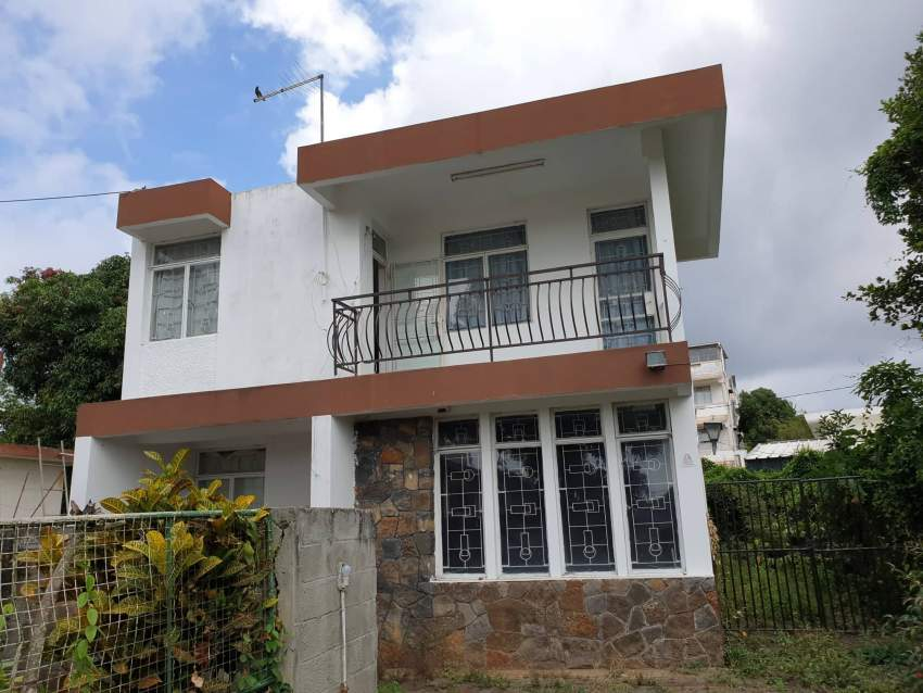 FOR SALE: HOUSE IN BEAU BASSIN