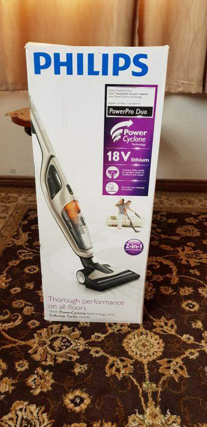 Philips 2-in-1 Upright and Hand Held Cordless Vacuum Cleaner