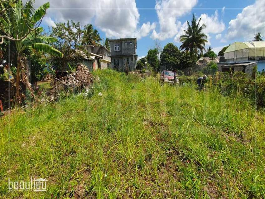 Residential land of 9.3 perches is for sale in Camp Raffia, Flacq