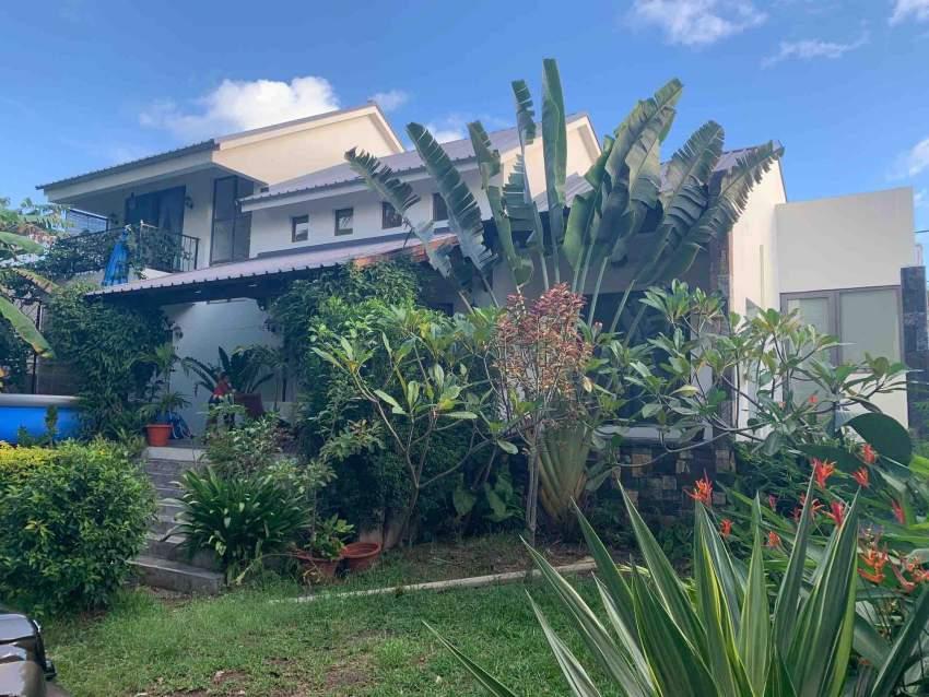 A vendre belle villa contemporaine avec jardin arboré