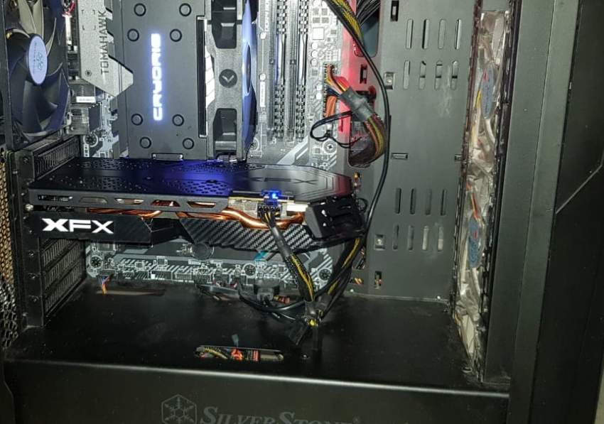 Selling used RX 580 XFX Graphic Card