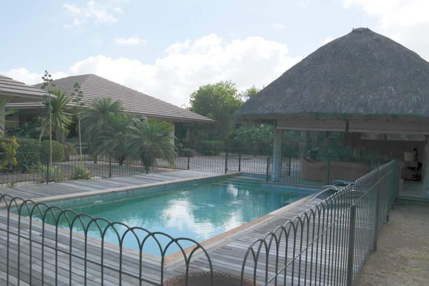Belle villa familiale idéalement située 4 chambres avec piscine