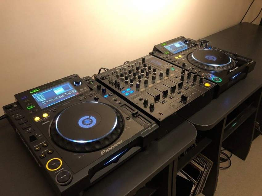 Pioneer cdj 2000 + DJM 800 + Flight case