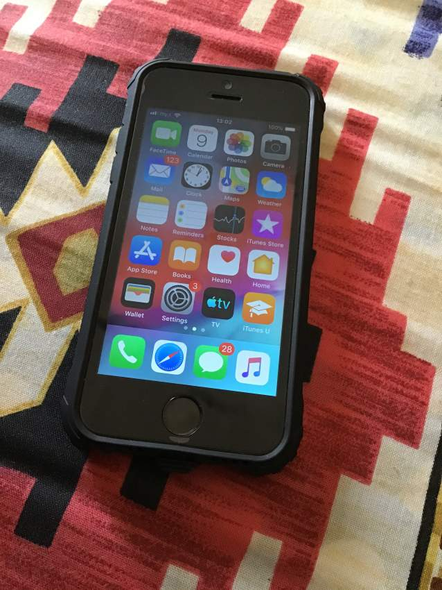 iPhone 5s (16gb) without scratches