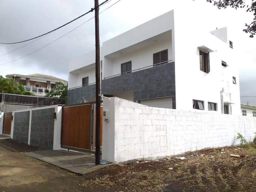 House Duplex
