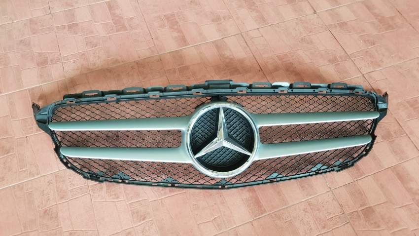 Mercedes C180 grill. Year 2018 - Spare Part at AsterVender