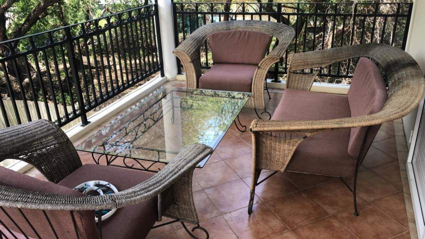 Set fauteuils et table