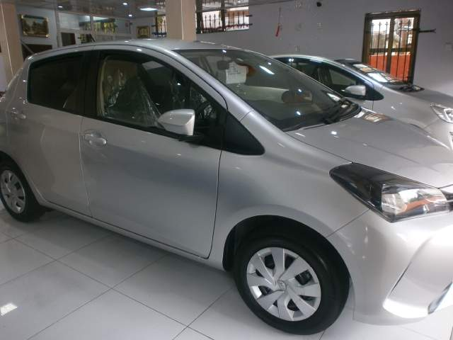 Toyota vitz  - Family Cars at AsterVender