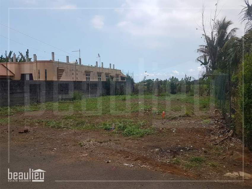 Two residential lands of 7 and 7.5 perches are for sale in Morc Swan,