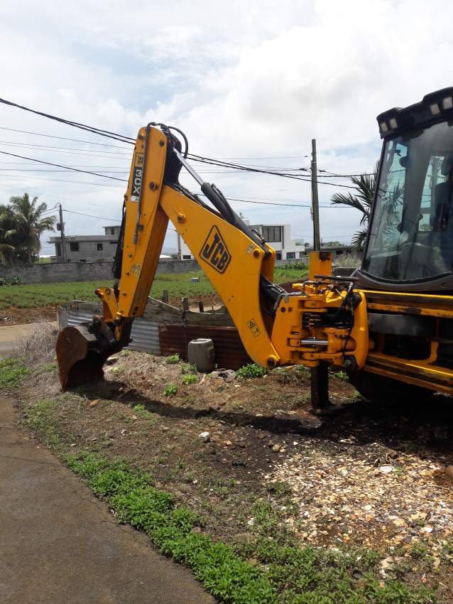 JCB 3CX from England at AsterVender