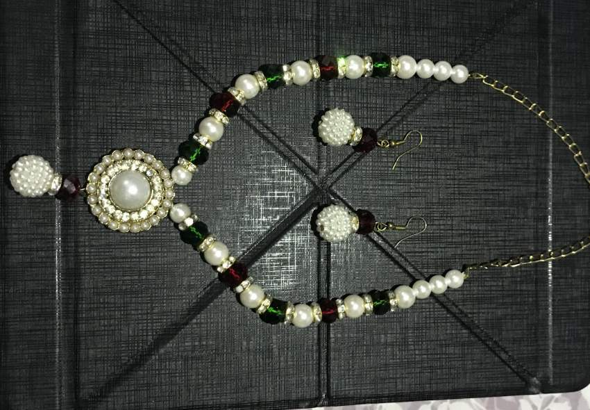 Indian Necklace with matching Earrings