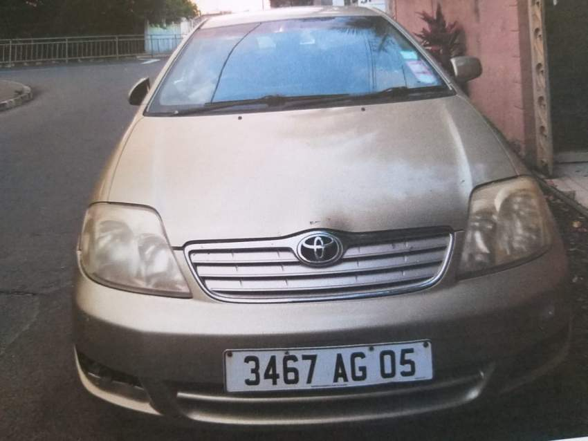 Toyota Corolla 140i GLS - Family Cars at AsterVender