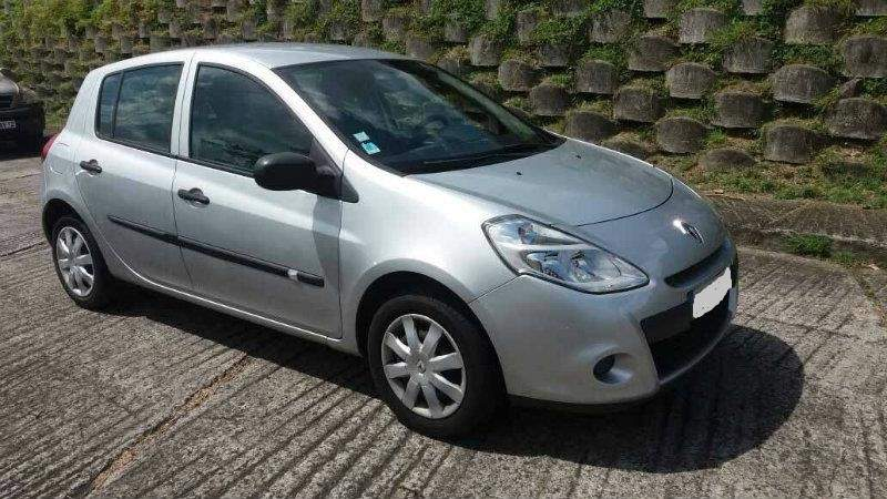 RENAULT CLIO CONFORT 1,2 16V 75CH Bluetooth 173 000 Km - Family Cars at AsterVender