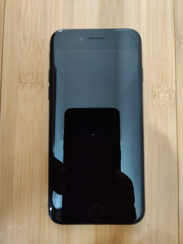 iPhone 7 128 GB Jet Black - Glossy - iPhones at AsterVender