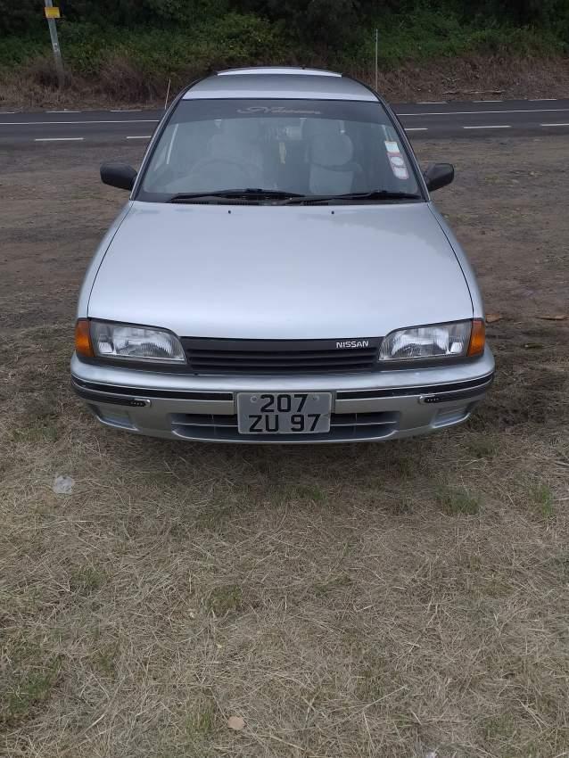 Nissan avenir auto van 1997