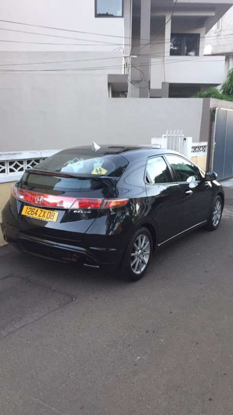 For sale Honda Civic FK1 Manual 2008 Black - Compact cars at AsterVender