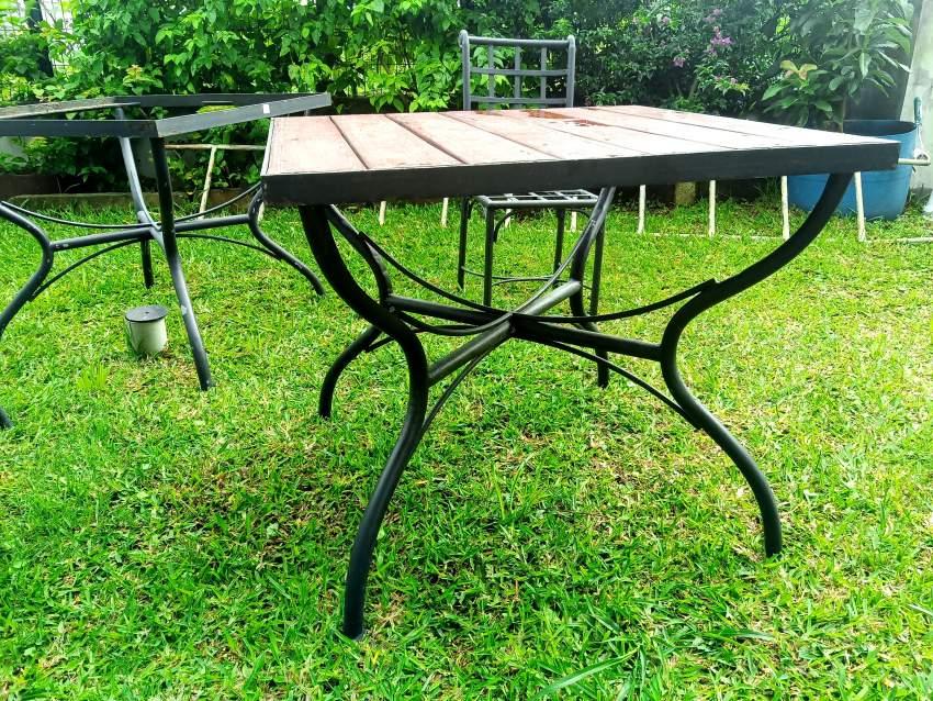 Table et chaises en fer forge