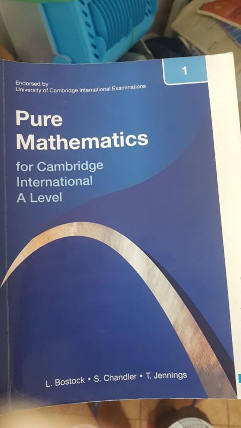 Cherche livre statistics s1- a level + maths past paper a le